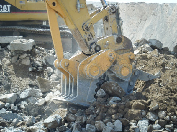 Pulveriser & Pin On Ripper Shank On Komatsu PC600 Excavator Liebherr Hitachi Cat
