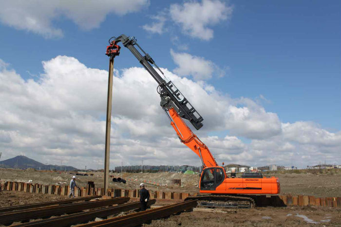 Telescopic Piling Dipper On Doosan DX360 Excavator Stick Pile Hammer Vibratory