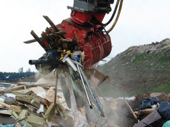 Sorting Grapple Handling Recycling Timber & Refuse